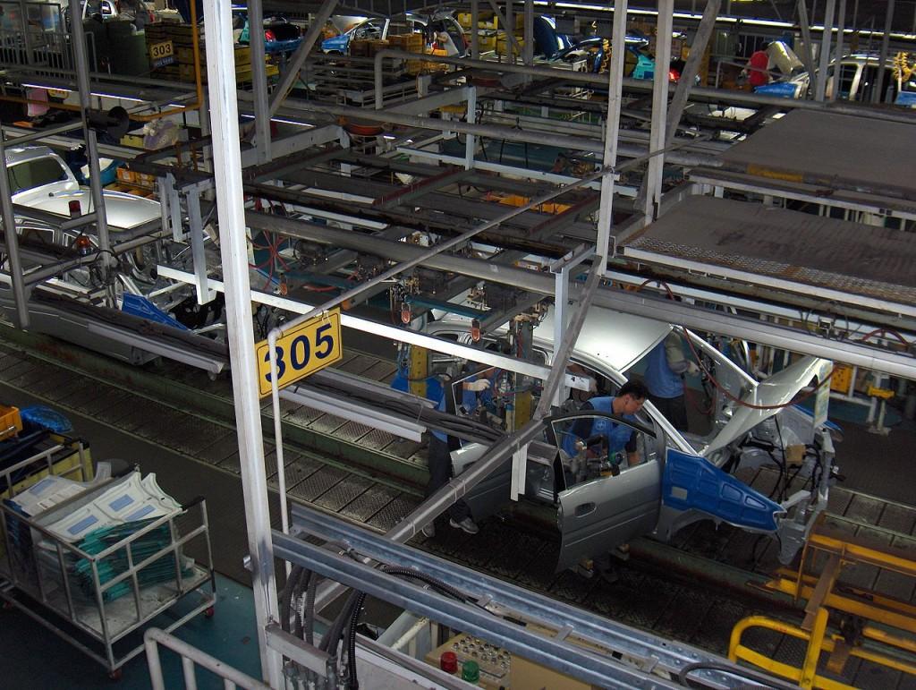 1280px-Hyundai_car_assembly_line