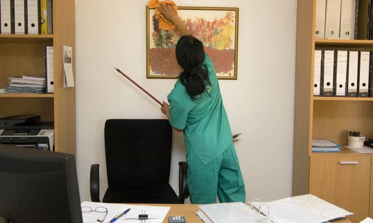 Important Tips to Consider While Choosing A Commercial Office Cleaning Company
